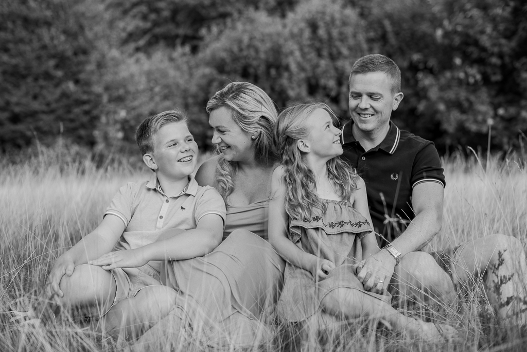 family of 4 natural family photography